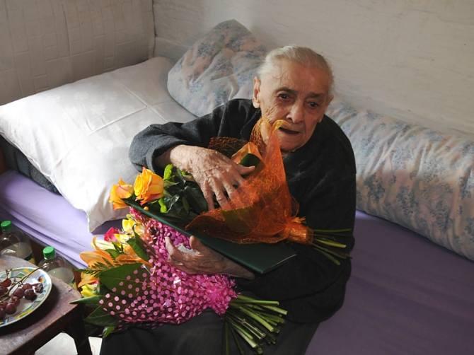 Pani Zofia Hanaka skończyła 100 - lat. Fot. Urząd Miasta i Gminy w Szczebrzeszynie